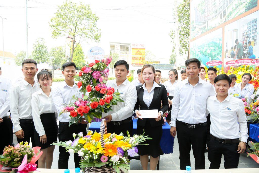 Phi Nam Land tổ chức Hội thi cắm hoa chào mừng ngày Phụ nữ Việt Nam 20/10